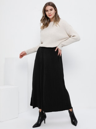 Black - Unlined - Acrylic - Plus Size Skirt