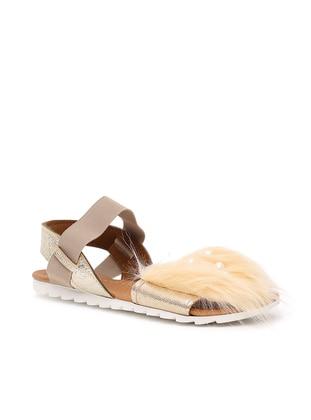 Ayakkabı Modası Sandalet - Altın