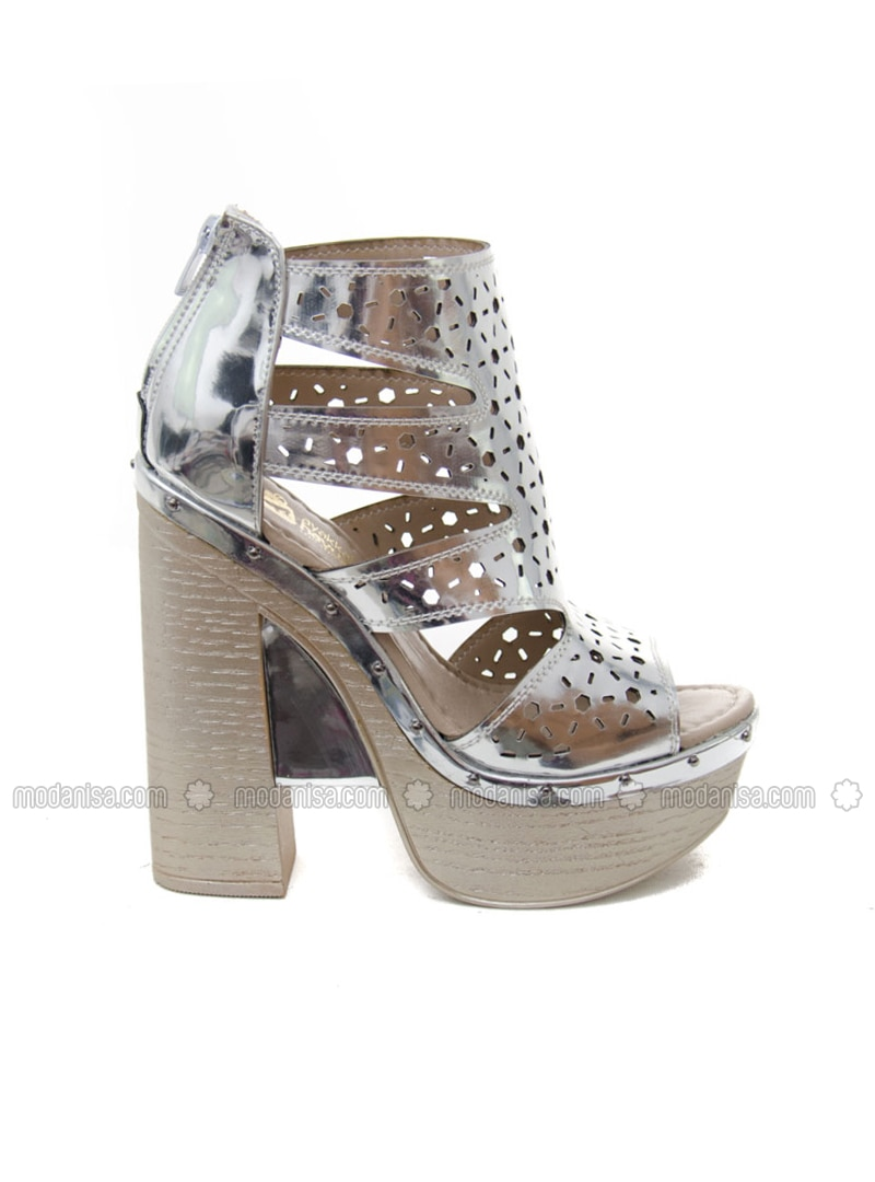 Silver tone High Heel Silver tone High Heel Casual Shoes