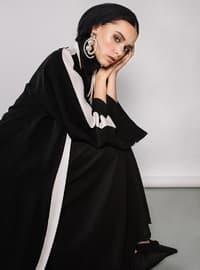 Black - White - V neck Collar - Abaya - ZEYYEN