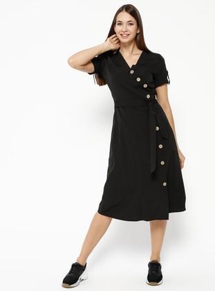 e40651741e588 Düğmeli Yarım Kollu Midi Boy Elbise - Siyah