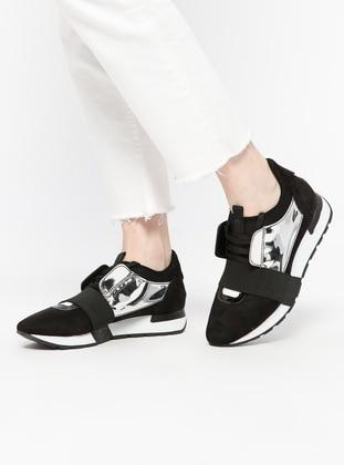 Black – Silver Tone – Sport – Sports Shoes – Bambi