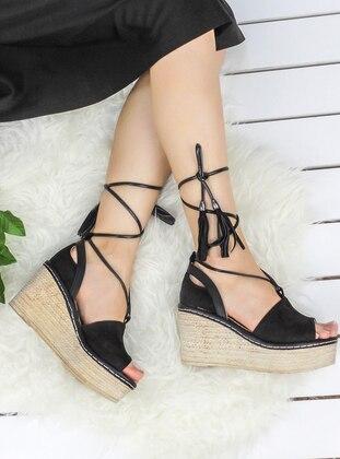 Awon Topuklu Ayakkabı - Siyah