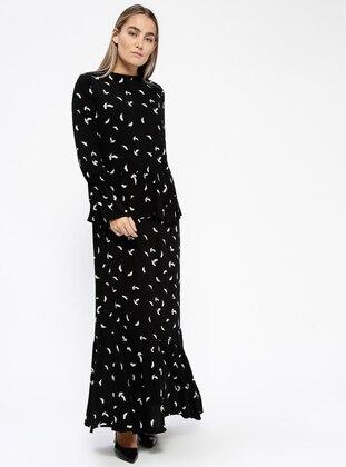 Black – White – Ecru – Multi – Fully Lined – Crew Neck – Plus Size Dress – Melisita