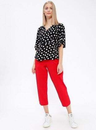 Pile Detaylı Pantolon - Kırmızı - Koton Ürün Resmi