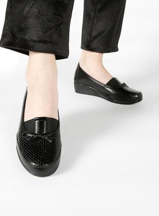 Black – Sport – Shoes – Bambi