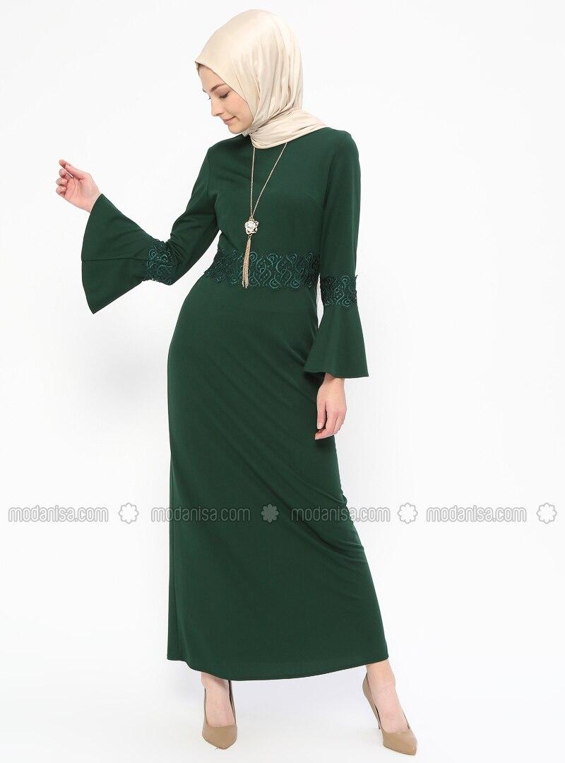 7cce79b3f08f8 Kolyeli Güpür Detaylı Abiye Elbise - Yeşil