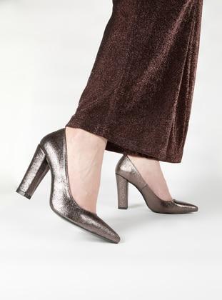 Ayakkabı Frekansı Topuklu Ayakkabı - Platin