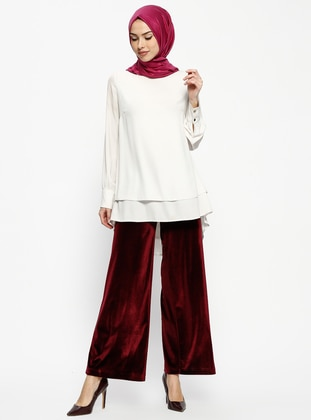what looks good with maroon pants