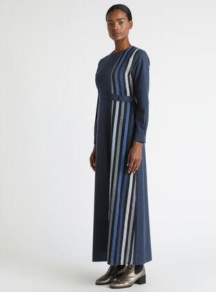 75dfec2ad89ab أزرق داكن - مخطط - قبة مدورة - نسيج غير مبطن - فستان