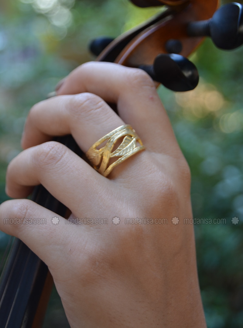 Golden tone - Ring