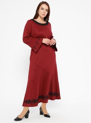 Nakış Detaylı Elbise - Bordo - CARİNA Ürün Resmi