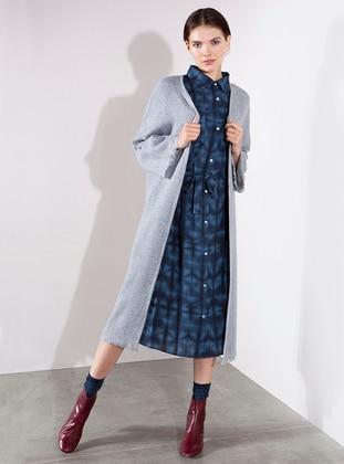 Gray - Acrylic - Abaya