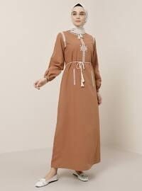 - Çin yakalı - Astarsız kumaş - Elbise