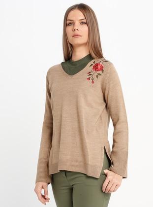 Camel - V neck Collar - Acrylic -  - Jumper