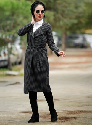 Black - Stripe - Point Collar - Cardigan