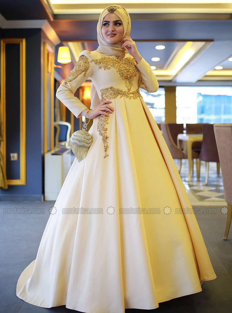 d1b81a7692a31 Shoptagr | Gold Fully Lined Crew Neck Muslim Evening Dress My Dream ...