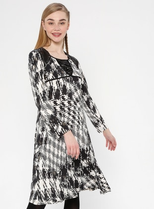 Black - White - V neck Collar - Unlined - Dress