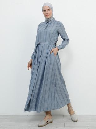f1f176f697590 Çizgili Tesettür Elbise Modelleri - Modanisa.com