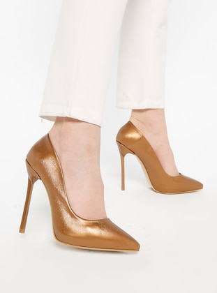 - High Heel - Heels