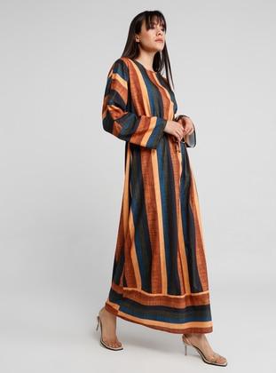 15668073572f0 برتقالي - مخطط - قبة مدورة - نسيج غير مبطن - فستان