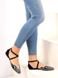 Black - White - Flat - Casual - Shoes