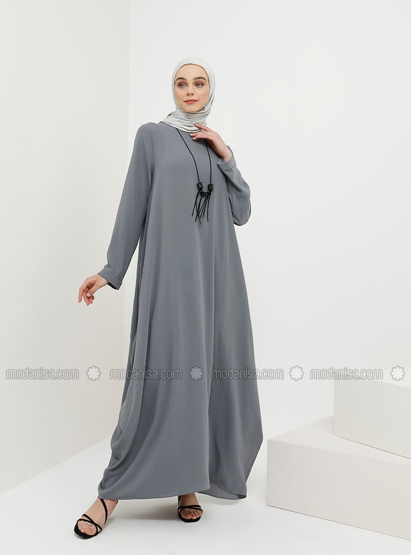 Baggy Dress with Necklace - Gray