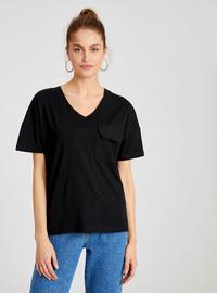 V neck Collar - Black - T-Shirt