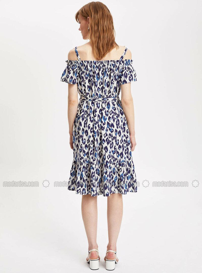 295690ddbaf1b Çiçekli Diz Altı Elbise - Beyaz