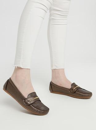 - Flat - Heels