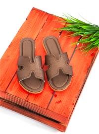 - Flat - Slippers