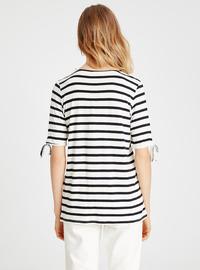 Stripe - Crew neck - Black - T-Shirt