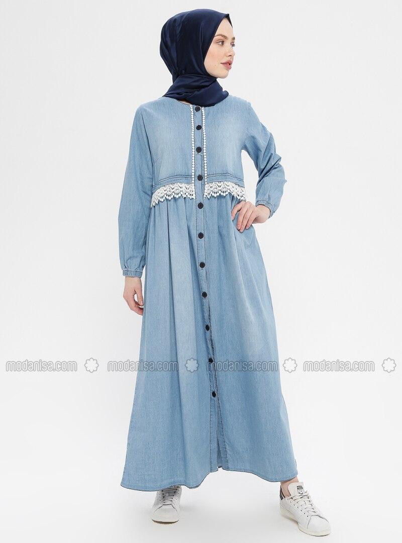 f6b46b9ce0a6d Boydan Düğmeli Güpürlü Kot Elbise - Açık Mavi