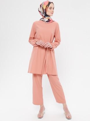 a0288835d38e3 Tesettür Takım Elbise Modelleri - Modanisa.com