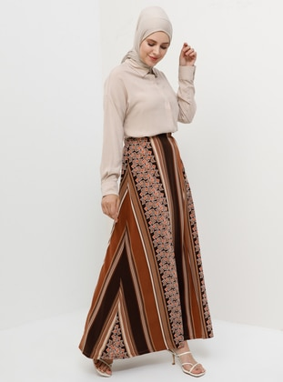 1c4c17b5e0434d Shop Muslim Skirts: Maxi Skirts, Pleated Skirts & More | Modanisa
