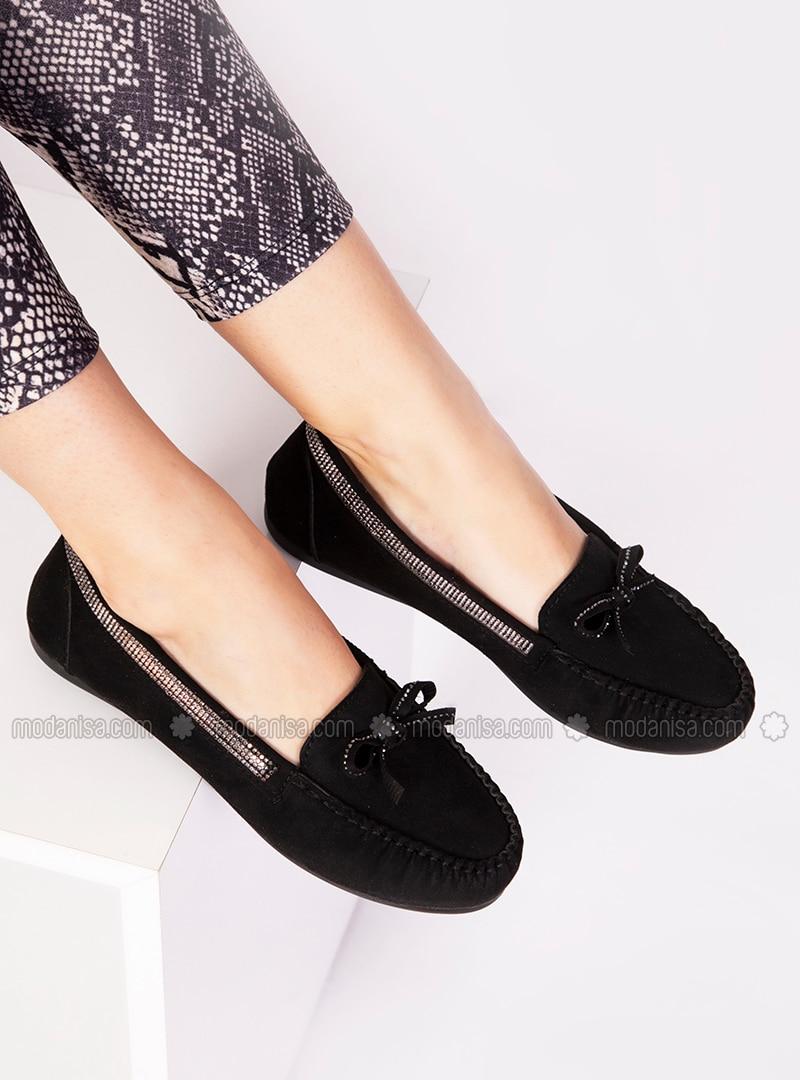 Black - Flat - Sports Shoes