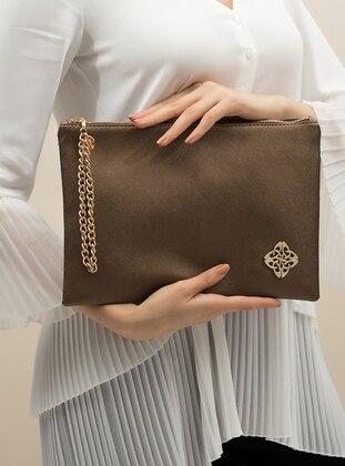 - Clutch Bags / Handbags