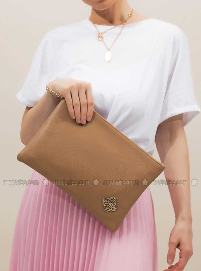Camel - Clutch Bags / Handbags