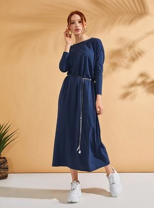 1945bfd79f239 Tesettür Büyük Beden Elbise Modelleri - Modanisa.com