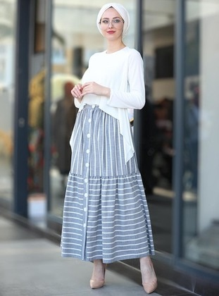 c3842ed420 Shop Muslim Skirts: Maxi Skirts, Pleated Skirts & More | Modanisa