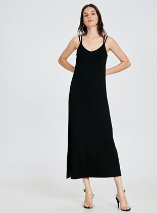 d31d2bb98cc6e LC WAIKIKI Tesettür Elbise Modelleri ve Fiyatları - Modanisa.com