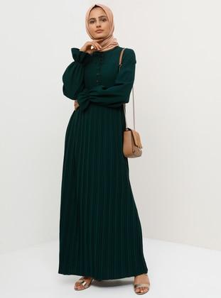 b23156995da93 Zümrüt Yeşili Tesettür Elbise Modelleri ve Fiyatları - Modanisa.com