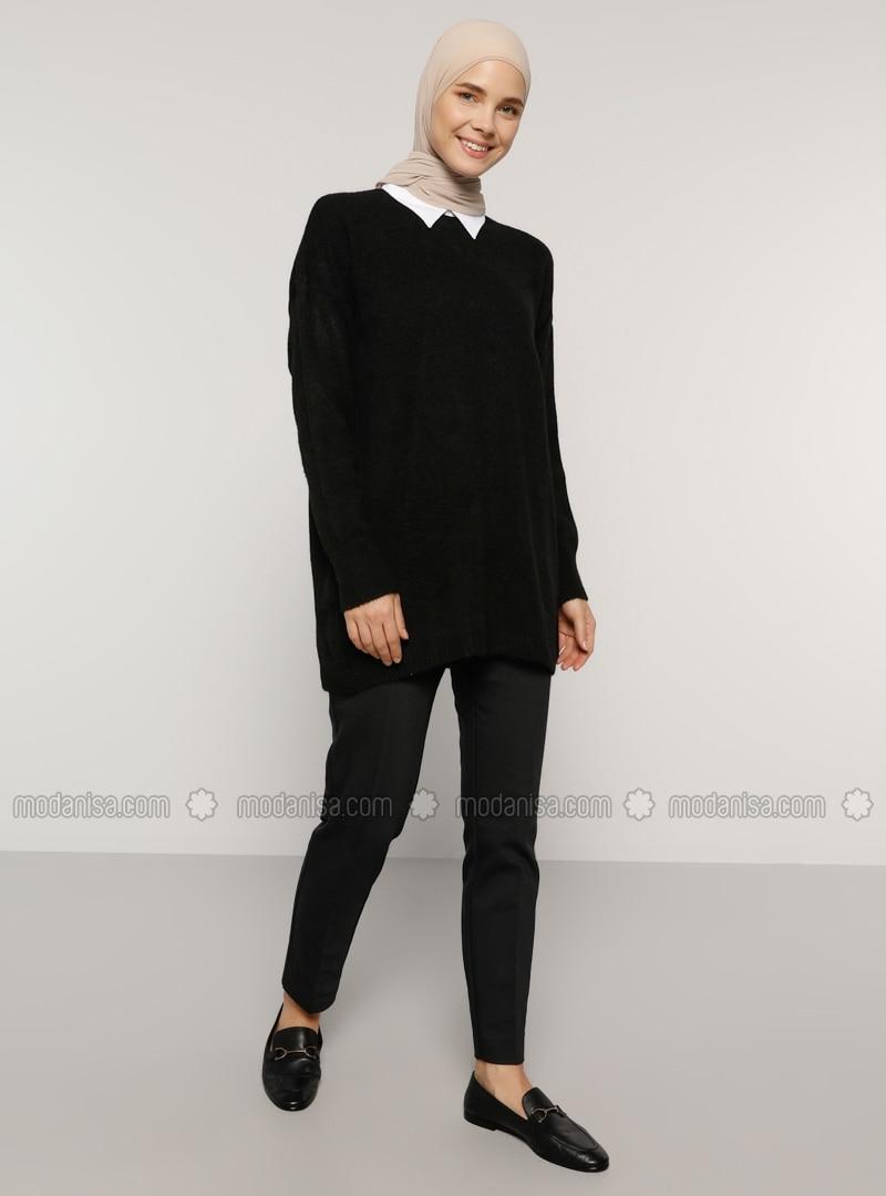 Black - Point Collar - Acrylic - Tunic