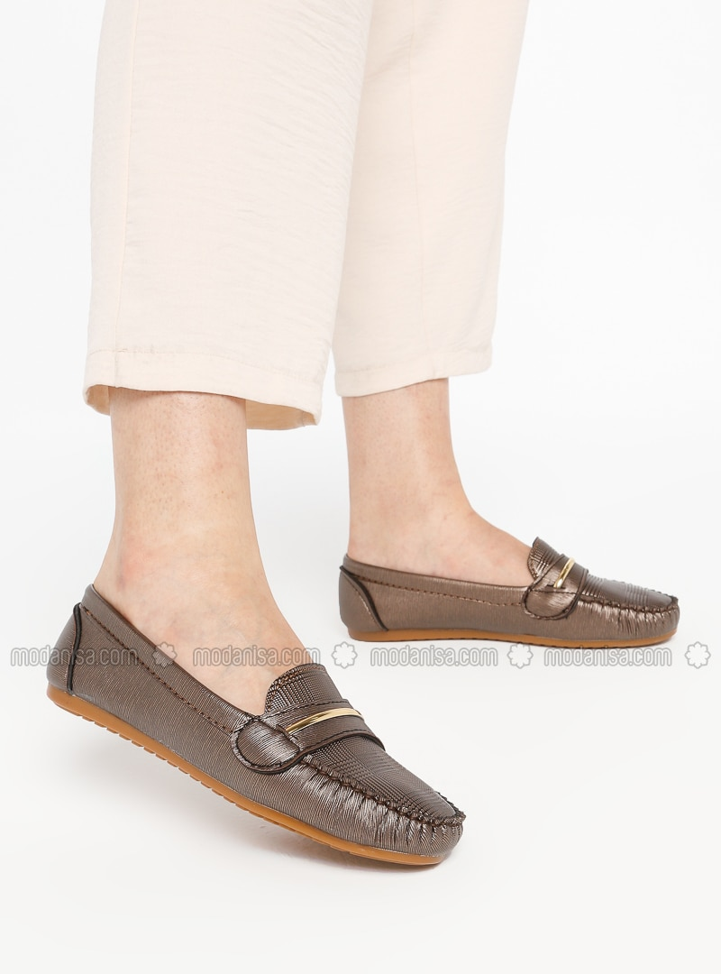 - Casual - Shoes