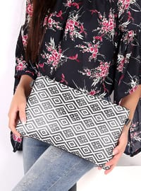Black - White - Clutch Bags / Handbags