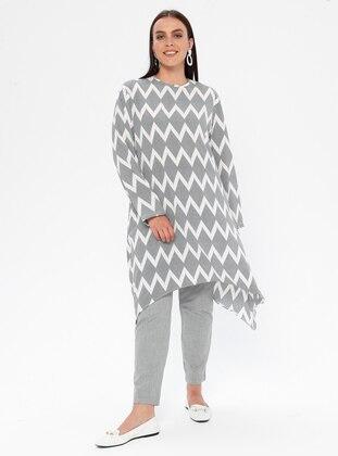 Black - White - Geometric - Crew neck - Plus Size Tunic