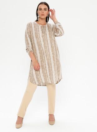 de492e224bfa78 Modèles de robes islamique à taille large - modanisa.com