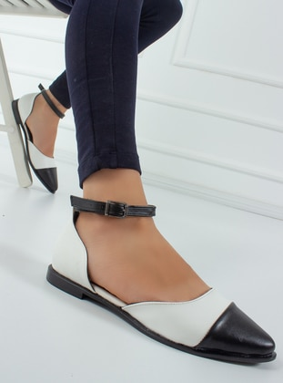 White - Black - Flat - Flat Shoes