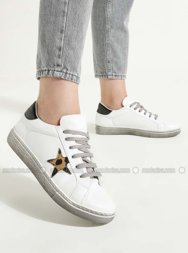 White - Black - Casual - Sports Shoes