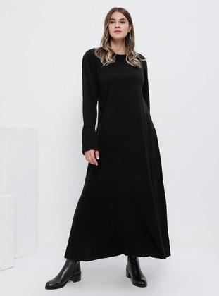 Black - Unlined - Crew neck - Acrylic -  - Plus Size Dress